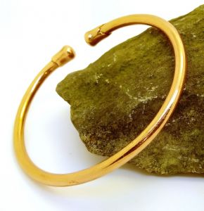 M25: Magnetic Plain Copper Bangle